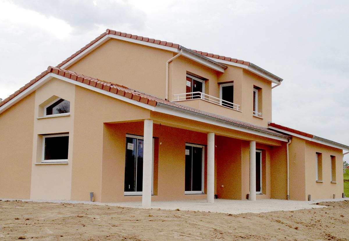 maison 3 volumes avec balcon maisons batiseul constructeur de maisons individuelles. Black Bedroom Furniture Sets. Home Design Ideas
